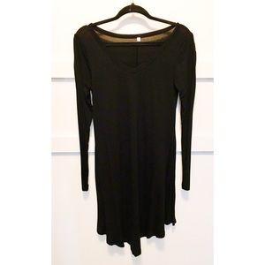 Dresses & Skirts - Long Sleeve Flow Basic Black Dress